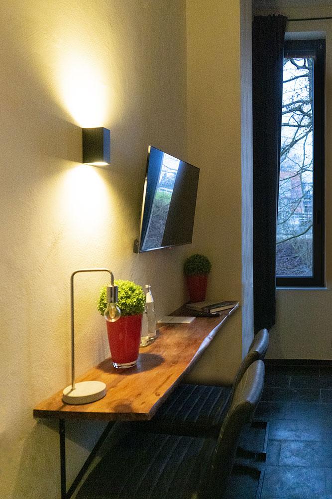 Schreibtisch in Zimmer 4